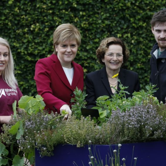 First Minister meets Wheatley Group apprentices
